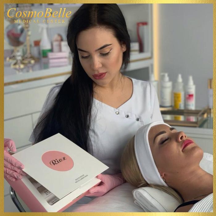 Profesjonalna maska marki Rioux - Neo CO2 Carbon Mask to rewolucyjna metoda na błyskawiczne dotlenienie i oczyszczenie skóry.