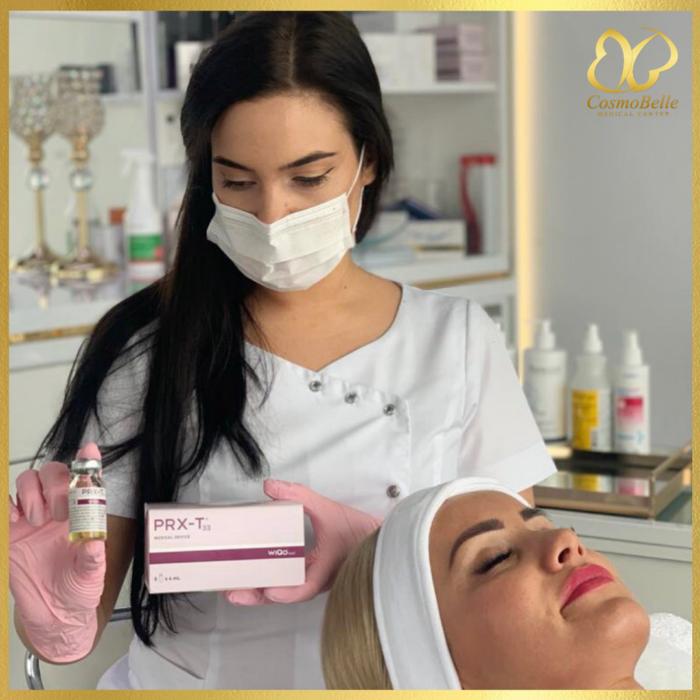 PRX-T33 to najnowsze zastosowanie połączenia kwasu TCA z kwasem koliowym stosowany w medycynie estetycznej, redukuje blizny, poprawia owal twarzy i rozjaśnia skórę.